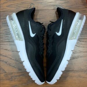 • NIKE AIR MAX SEQUENT 4.5 black/red WMNS